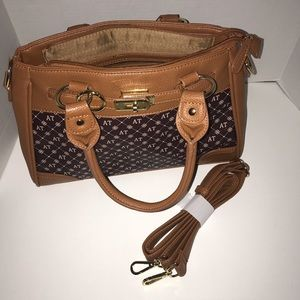 Danbury Mint purse. New with out tags
